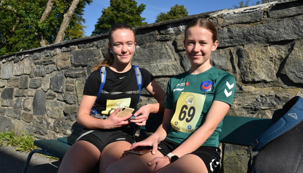 KLARE: Søstrene Mariell og Natalie før start.