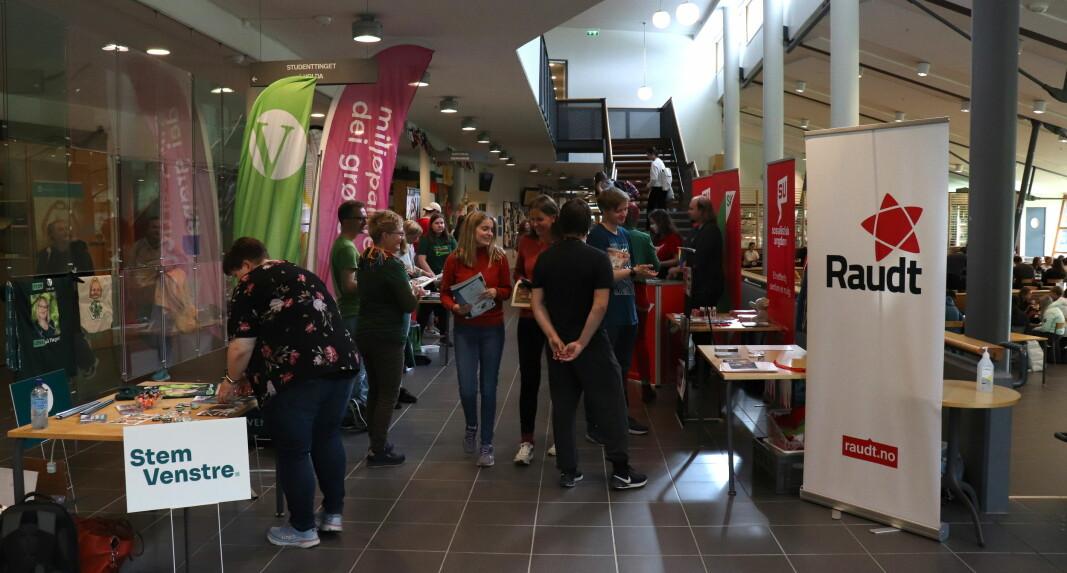 Tirsdag holdt stortingspartiene stand på Høgskulen i Volda, etter invitasjon fra Studentparlamentet.