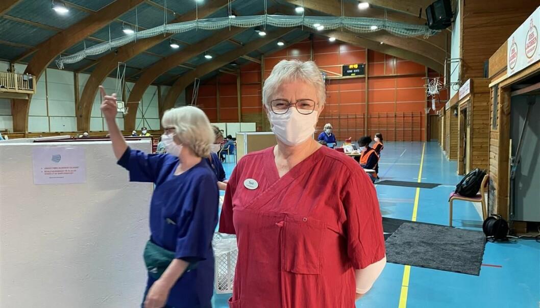 Toril Høydal er vaksinekoordinator i Volda kommune, og oppfordrer alle til å møte opp til oppsatt vaksinetime.