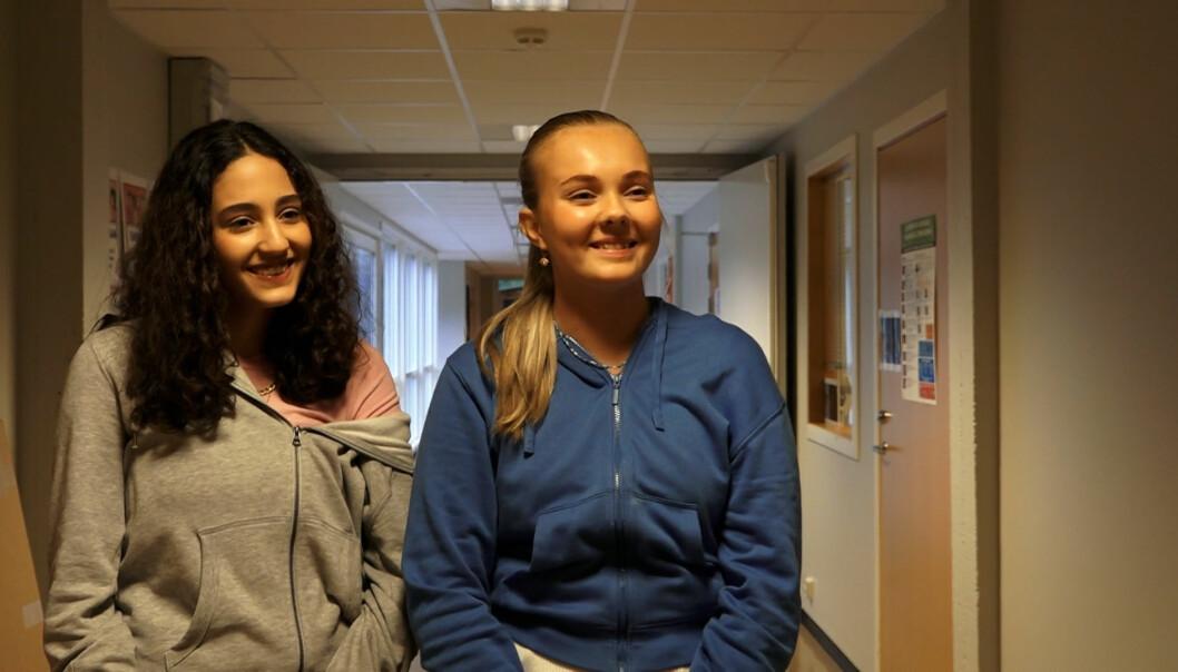 Sarah Mousse Dagfinrud (t.v.) og Ida Storborg Sæbønes var skuffet over valgresultatet.