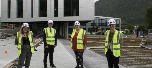 Politiker-rush til Volda: – Møre og Romsdal er på vippen