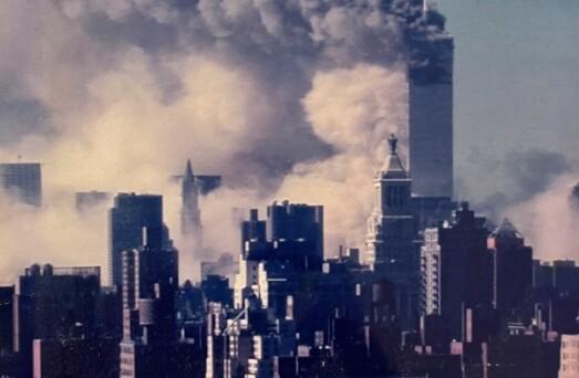 20 år siden 9/11: Annett så flyet da det krasjet inn i tvillingtårnet