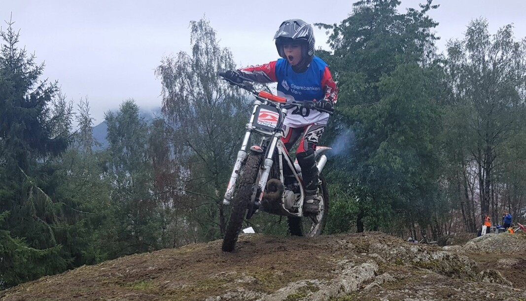 Axel Marius Eikremsvik Tolaas (10) brølte av glede da han klarte den utfordrende seksjonen i løypa.
