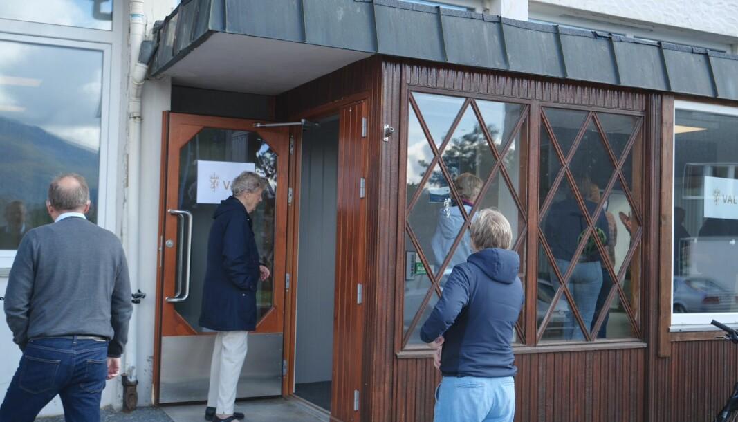 På valgdagen var det kø utenfor Volda samfunnshus.
