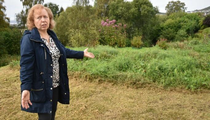 HAGE: Judith viser stolt frem sin naturlige hage.