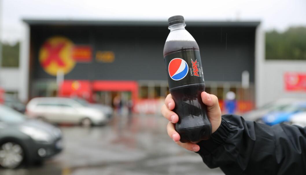 PRISFORSKJELL: Pepsi Max er Norges klart mest solgte brus. Nærnett har sett hvor du får den billigste i Volda.