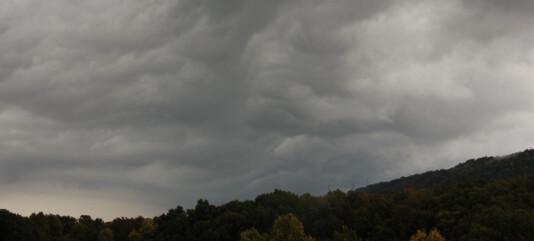 Meteorolog med klar oppfordring: – Ikke dumt å binde fast trampolinen
