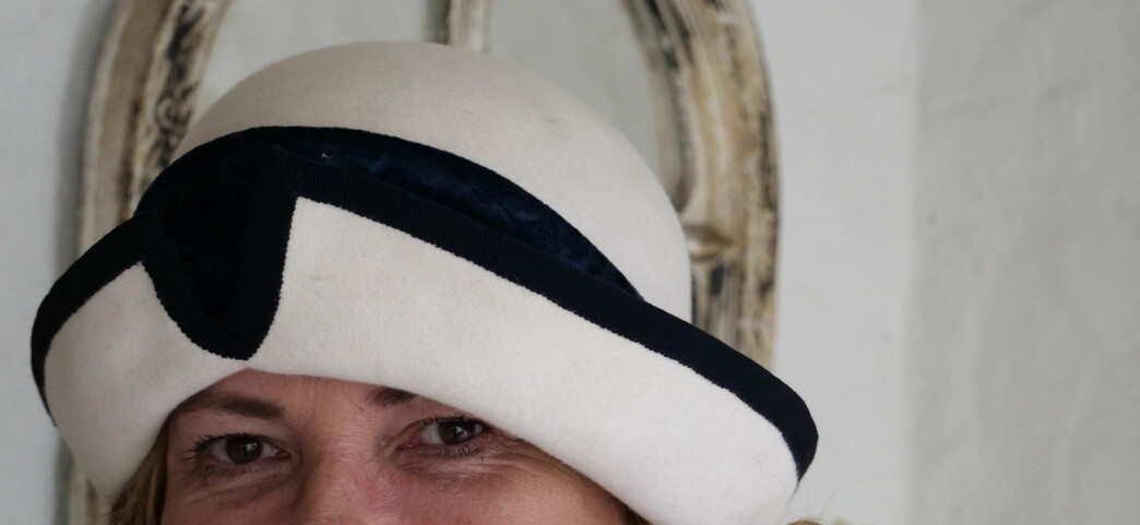 Tjukkere hatter egner seg fint i norsk vær, derfor er de fleste av Ninas hatter ofte av den solide sorten.