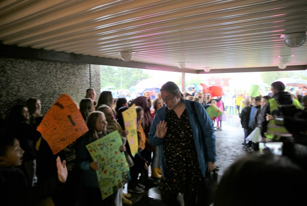 Hjørdis Almelid Vikenes (Krf) på vei inn til kommunstyremøtet