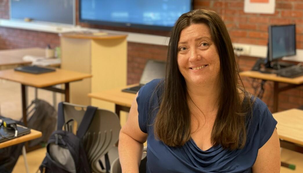 Elin Hovden Røbekk, kontaktlærer for 9. klassen, mener det er viktig å fokusere på nettvett blant de unge.