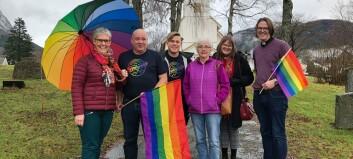 Arrangerer historisk regnbuemesse