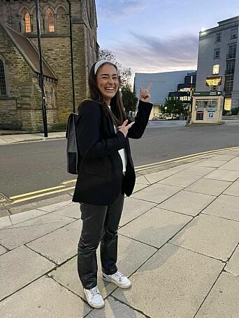 STORTRIVES: Veronika koser seg i Leeds der hun nå tar master i Society, Culture and Media.